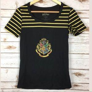Harry Potter Blk/Gld Hogwarts Crest Size S